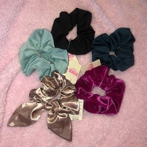 New bundle of five PINK scrunchies